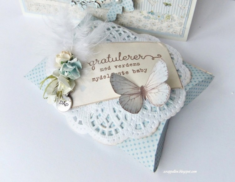 Baptismcard for a babyboy, with a giftbox
